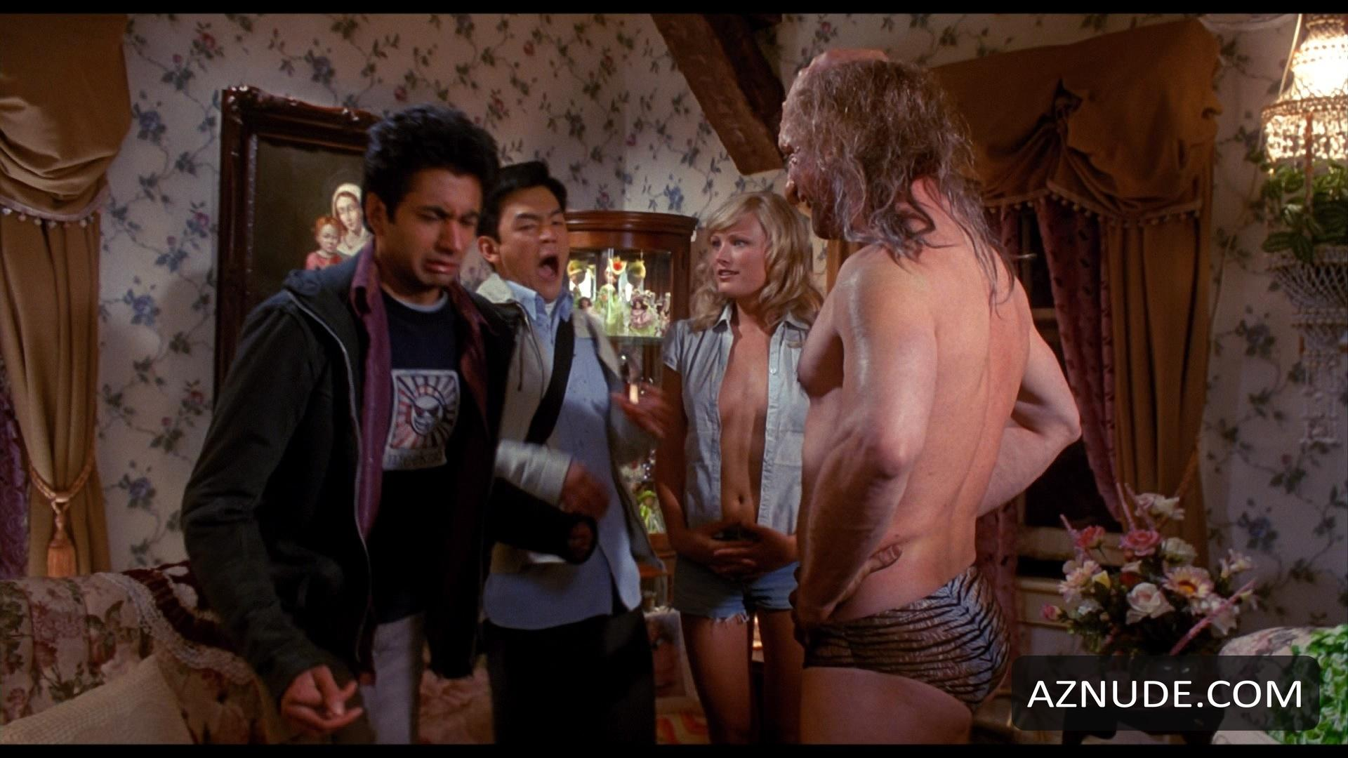 Harold and kumar go to white castle nude scenes