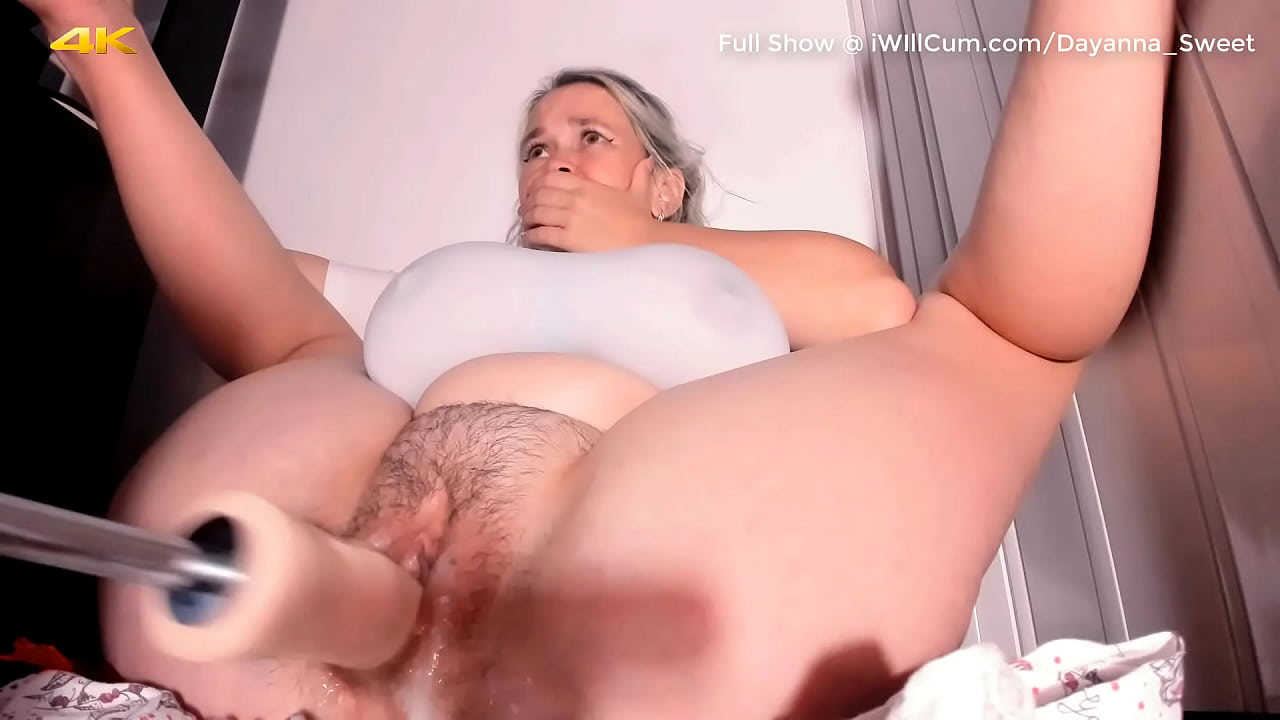 Fat mature pusy dildo squirt