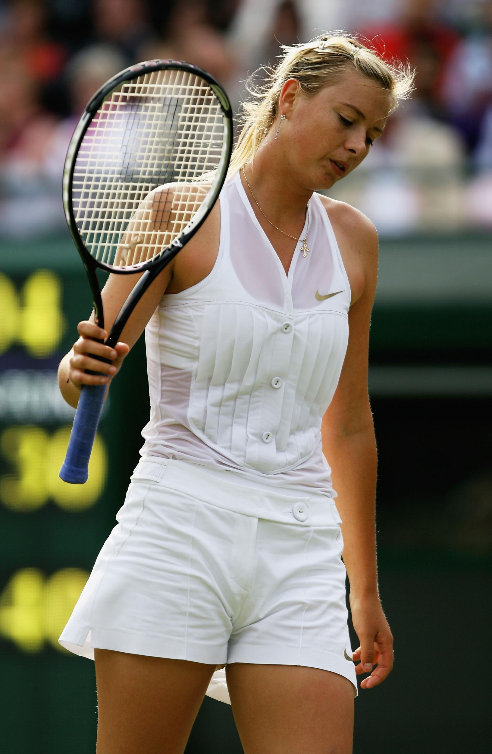 Girls that play tennis that forget thier panties